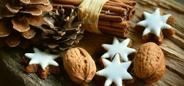 cinnamon-stars-2991174_640